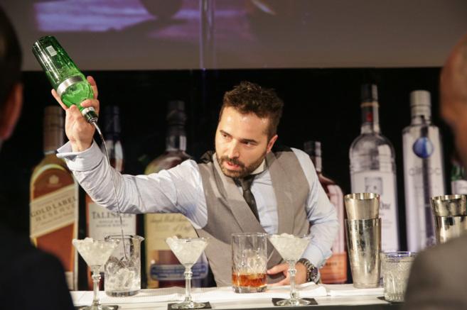 Borja Cortina, propietario del Varsovia Bar, representa a España en...