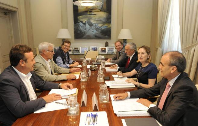 El alcalde Joan Ribó, en su reunión con la Ministra de Fomento, Ana...