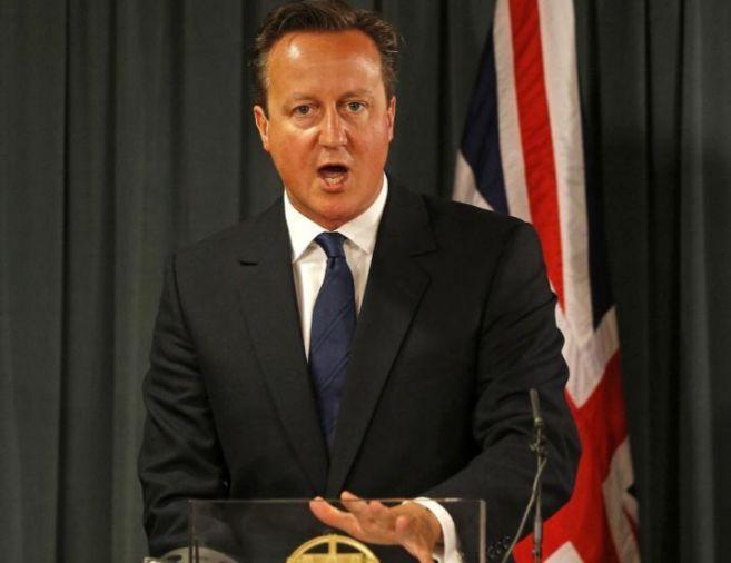 El primer ministro, David Cameron, durante una rueda de prensa, hoy,...