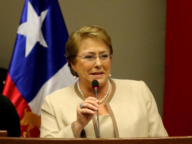 La presidenta de Chile, Michelle Bachelet, en una conferencia durante...