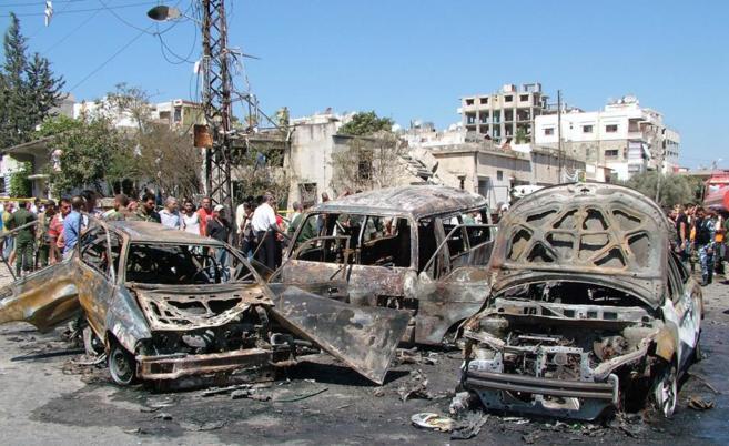 Atentado con coche bomba en la costa de Latakia, controlada por el...