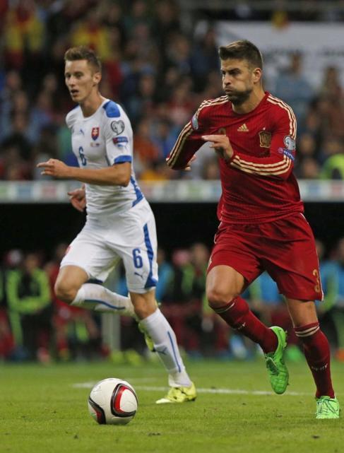 El defensa, durante el partido de clasificación para la Eurocopa.