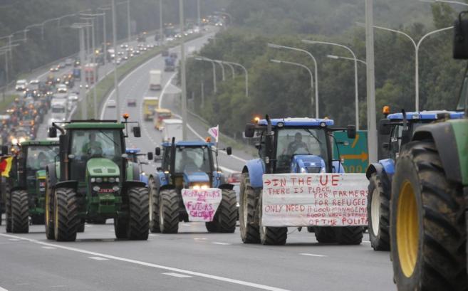 Tractores en dirección a las sedes de las instituciones de la UE en...