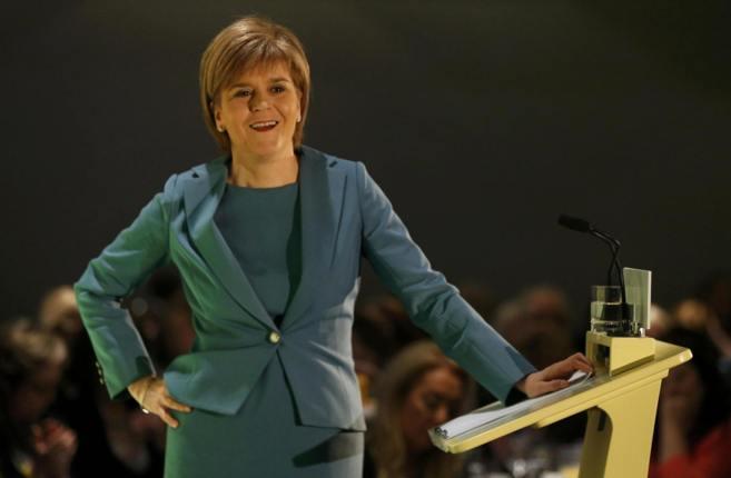 La líder del Partido Nacional Escocés, Nicola Sturgeon, durante un...