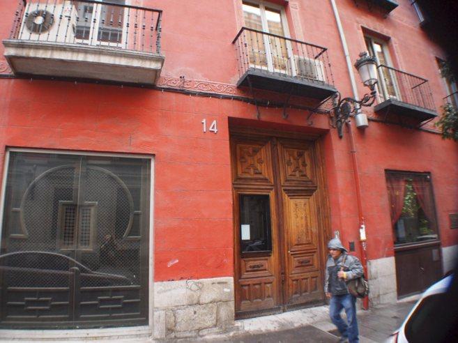 Edificio en Atocha 14 que, según las denuncias, acoge a turistas...