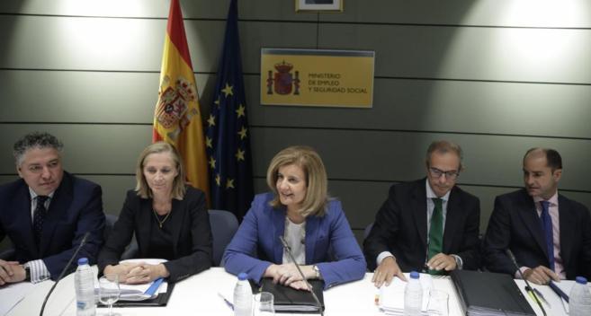 La ministra de Empleo, Fátima Báñez, durante la Conferencia...