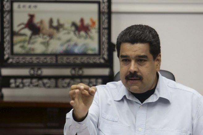 Nicolás Maduro en un encuentro con ministros, en el palacio de...