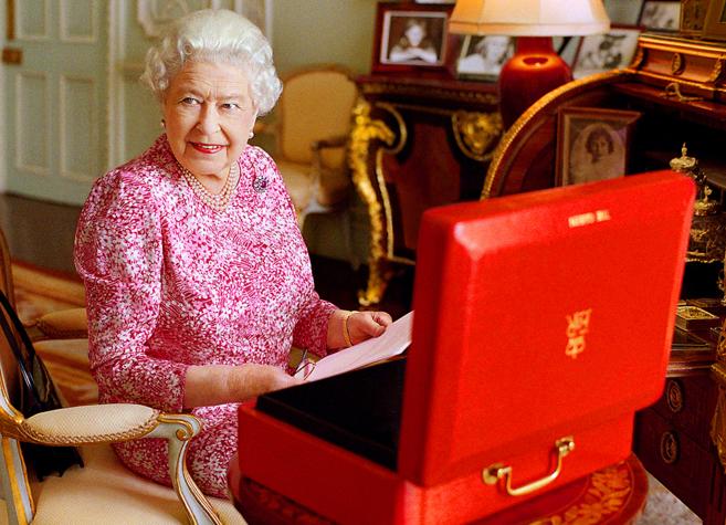 Imagen difundida por el Palacio de Buckingham de la reina Isabel II.