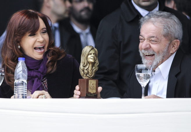 Cristina Fernández y  Lula, en la inauguración de un centro médico...