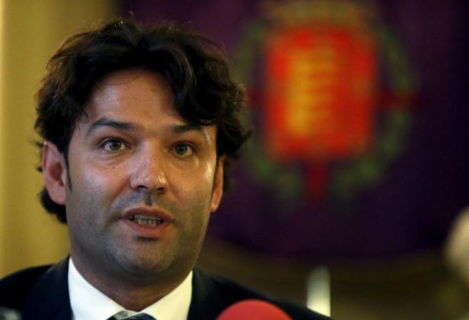 El alcalde de Tordesillas, José Antonio González Poncela, este...
