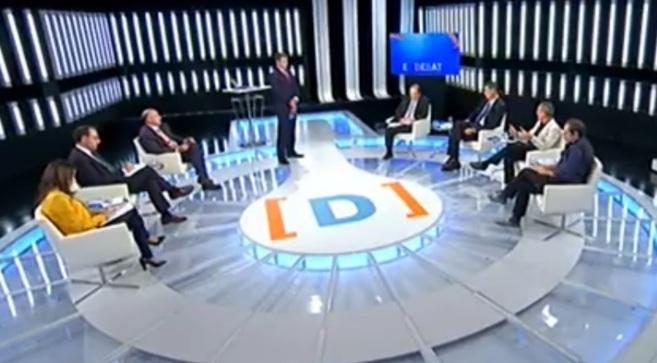 El debate, emitido en la madrugada del jueves en el canal 24 horas de...
