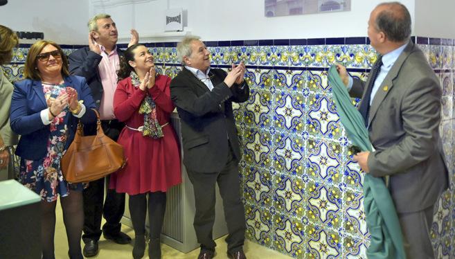 Andrés Moscardó, segundo por la izquierda, junto a Alfonso Rus y el...