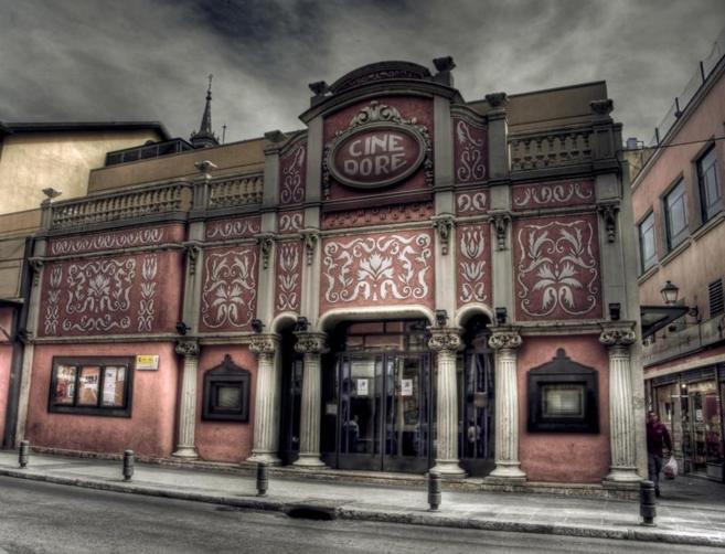 Fachada del Cine Doré, en el barrio de Lavapiés.