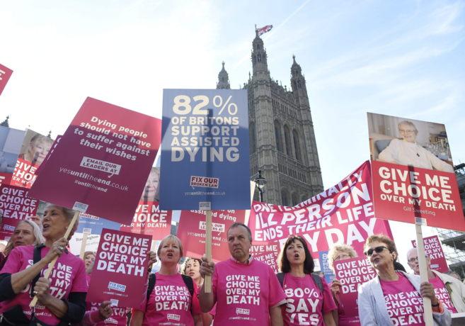 Manifestación a favor del derecho a decidir sobre la propia muerte.
