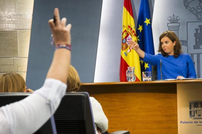Soraya Sáenz de Santamaría, en la rueda de prensa celebrada este...