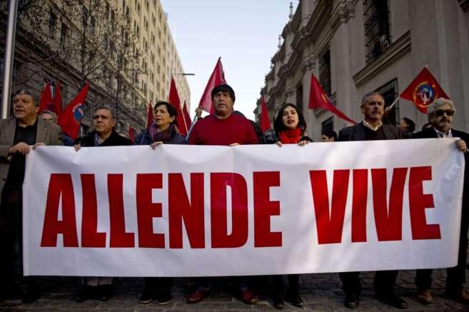 Activistas de derechos humanos recuerdan a Salvador Allende en...