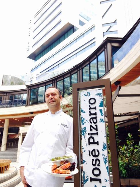 José Pizarro, afuera de su restaurante en Londres.