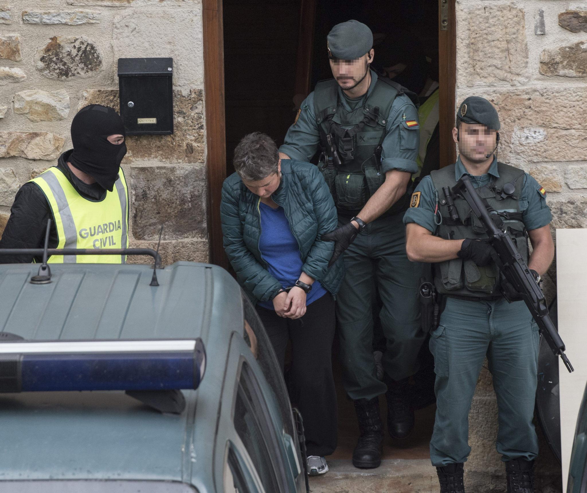 Una de las detenidas hoy por enaltecimiento del terrorismo en la...