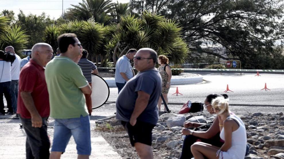 Vecinos de la localidad de Santa Lucía de Tirajana, en la zona donde...