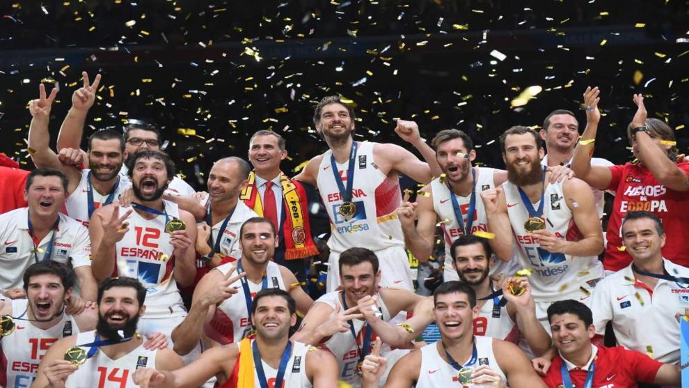 La selección española celebra su trinfo en el Eurobasket.