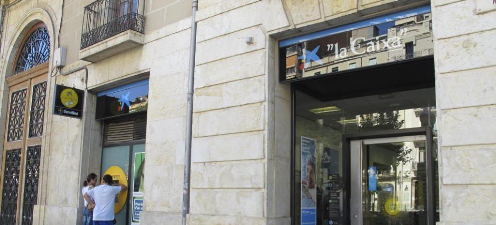 Elecciones catalanas un alcalde de erc apremia a los for Oficinas caixa barcelona