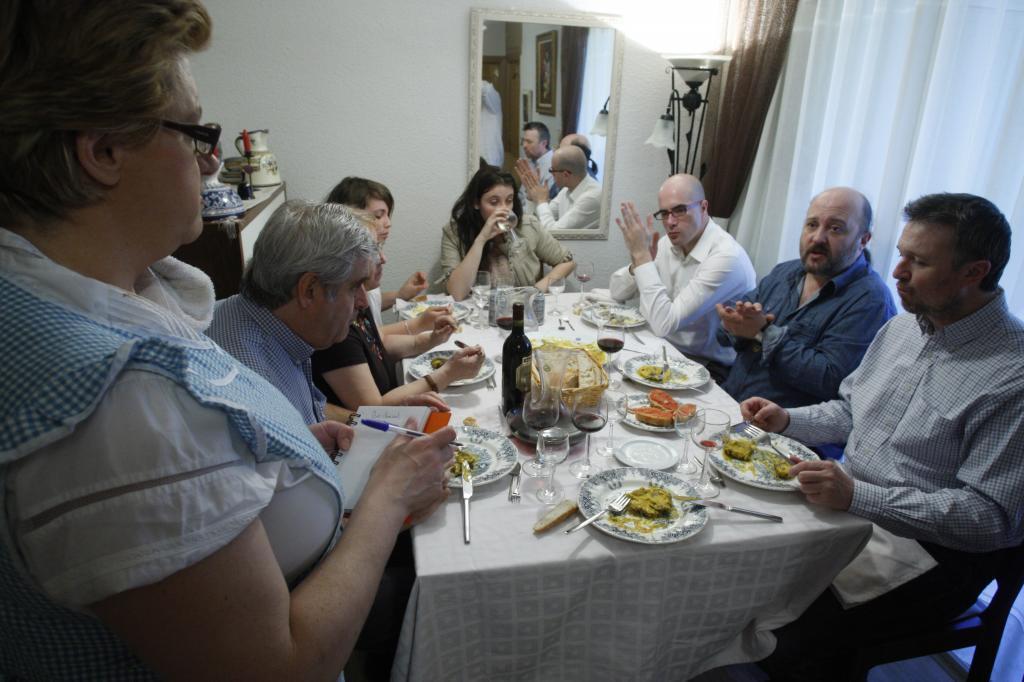Comida casera con una familia española en Alcalá de Henares