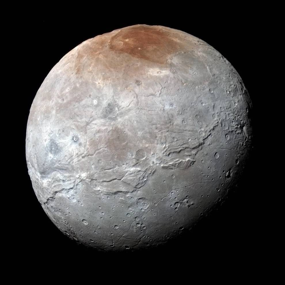 El violento pasado de Caronte, la mayor luna de Plutón