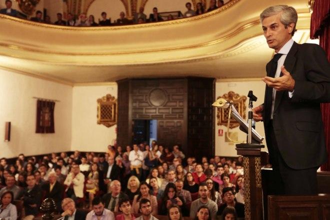 Suárez Illana, durante su conferencia en la Universidad de Granada.