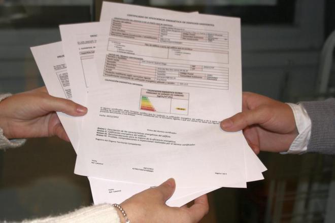 Documentos que acreditan la eficiencia energética de una vivienda.