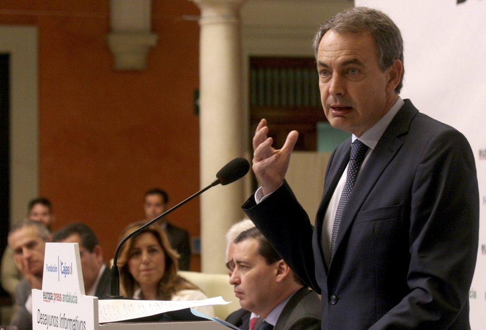 José Luis Rodríguez Zapatero durante su intervención hoy en unos...