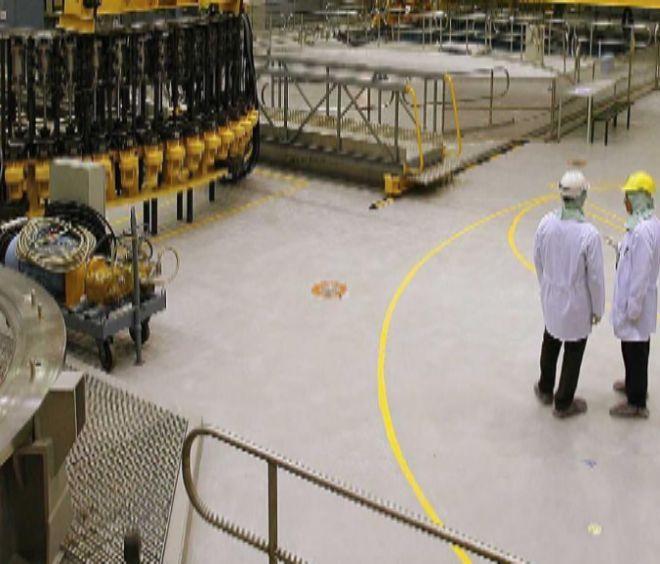 Interior de la central nuclear de Garoña cuando aún estaba activa