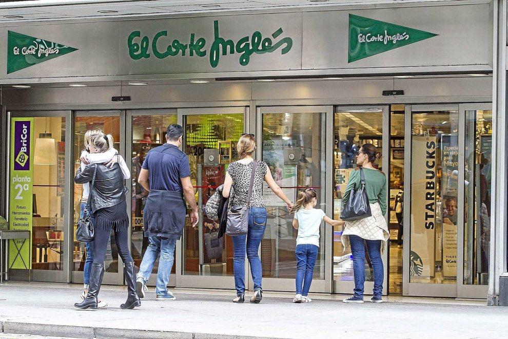e98f1a121704 La guerra oculta por cerrar El Corte Inglés los domingos y festivos ...