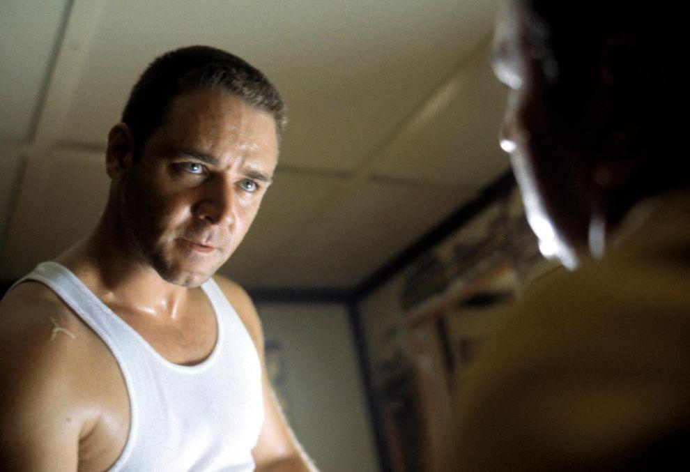 Bud White, Russel Crowe en 'L.A Confidential' (1997). Un poli duro con...
