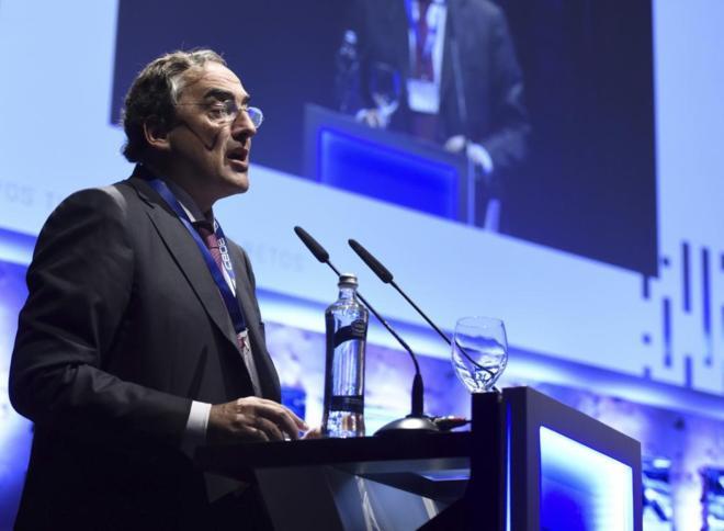 Juan Rosell, presidente de la CEOE, durante su intervención en la...