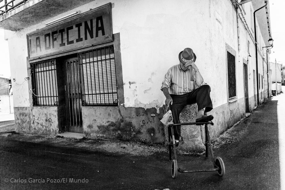 El transcurrir de la vida en Deleitosa es pausado, demasiado a veces, según sus vecinos.