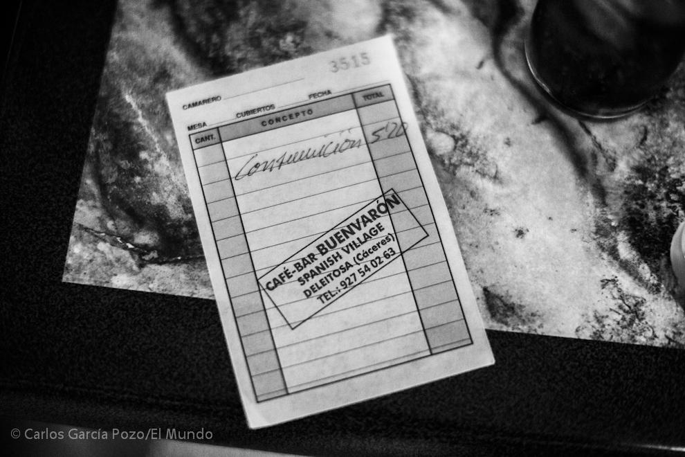 "Factura del bar ""Spanish Village""."