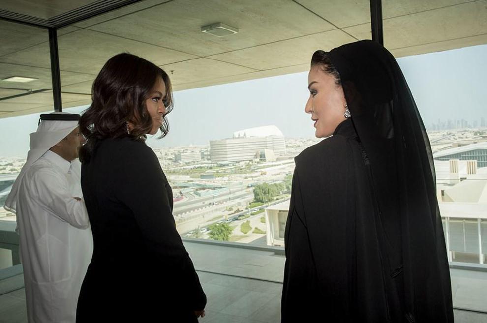 Michelle Obama (izda.) con la jequesa Mozah bin Naser.