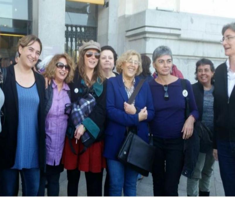Las alcaldesas de Madrid y Barcelona, Ada Colau y Manuela Carmena, ya...