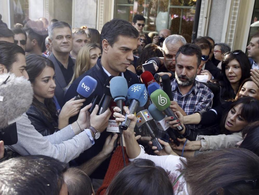 Pedro Sánchez ha acudido a la marcha como líder del PSOE para apoyar...