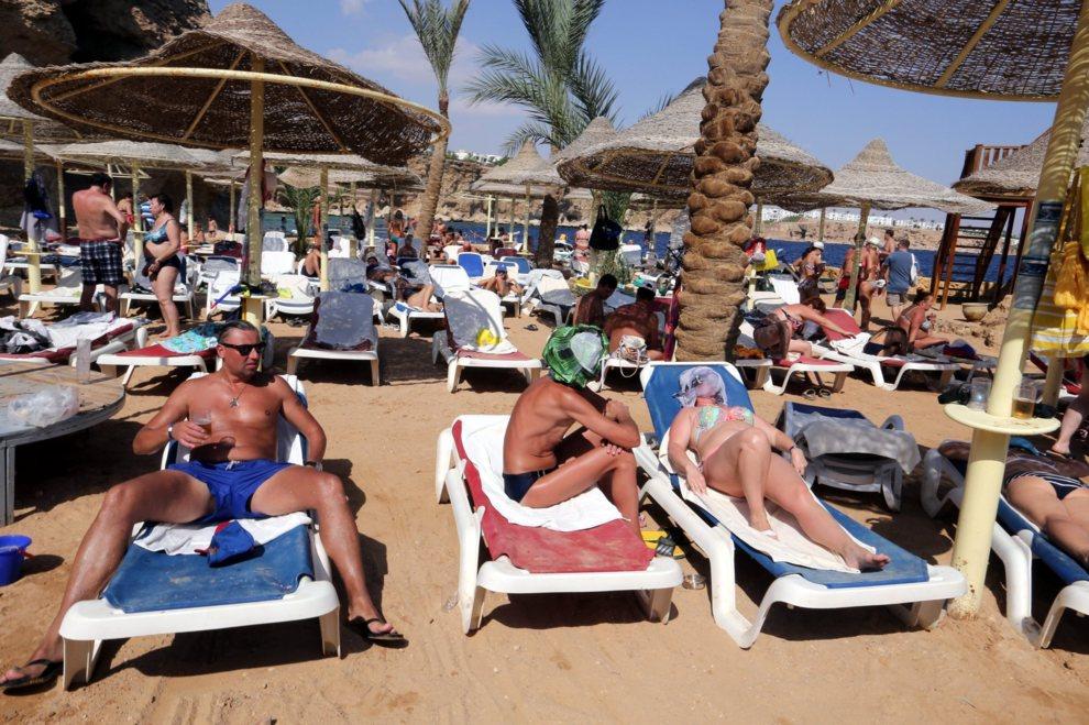 Topless in egypt, animated toons deepthroat gif