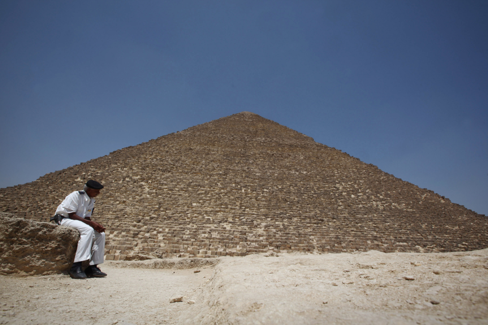 El primer escaneado de la pirámide de Keops apunta que podría haber pasadizos ocultos o materiales sin descubrir