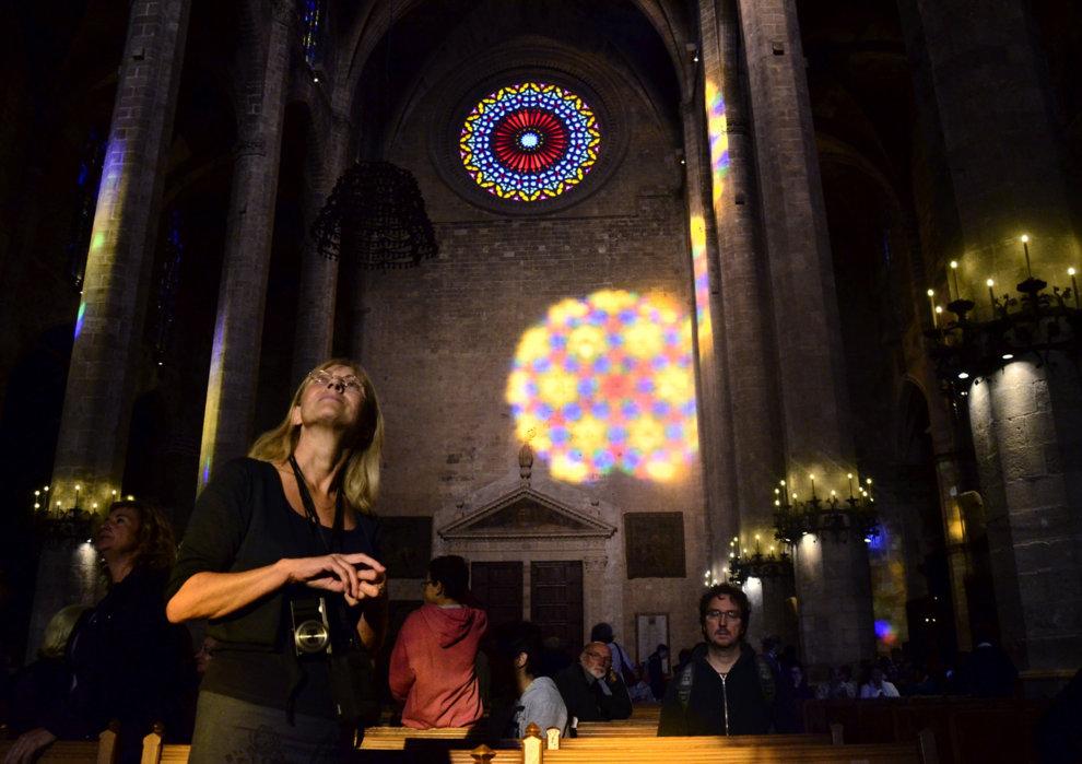 La Magia Luminica De El Ocho Reune A Cientos De Personas En La