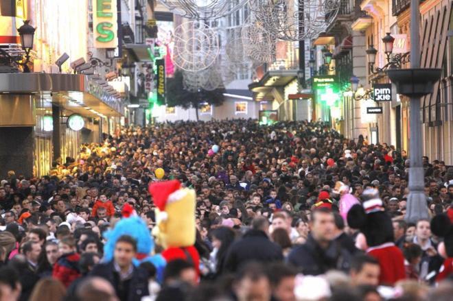 La calle Preciados de Madrid durante las compras de Navidad