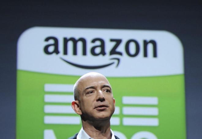 Jeff Bezos, fundador y presidente de Amazon, durante una rueda de...