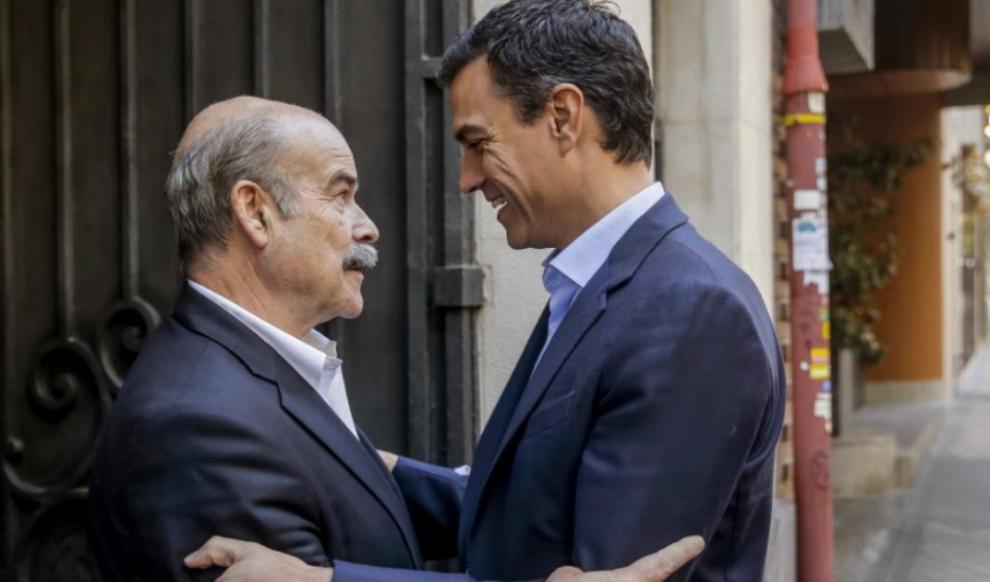 Pedro Sánchez, con el presidente de la Academia del Cine, Antonio...