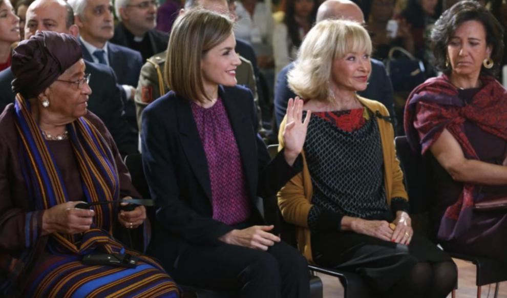 La Reina Letizia, junto a la presidenta de Liberia, Ellen...