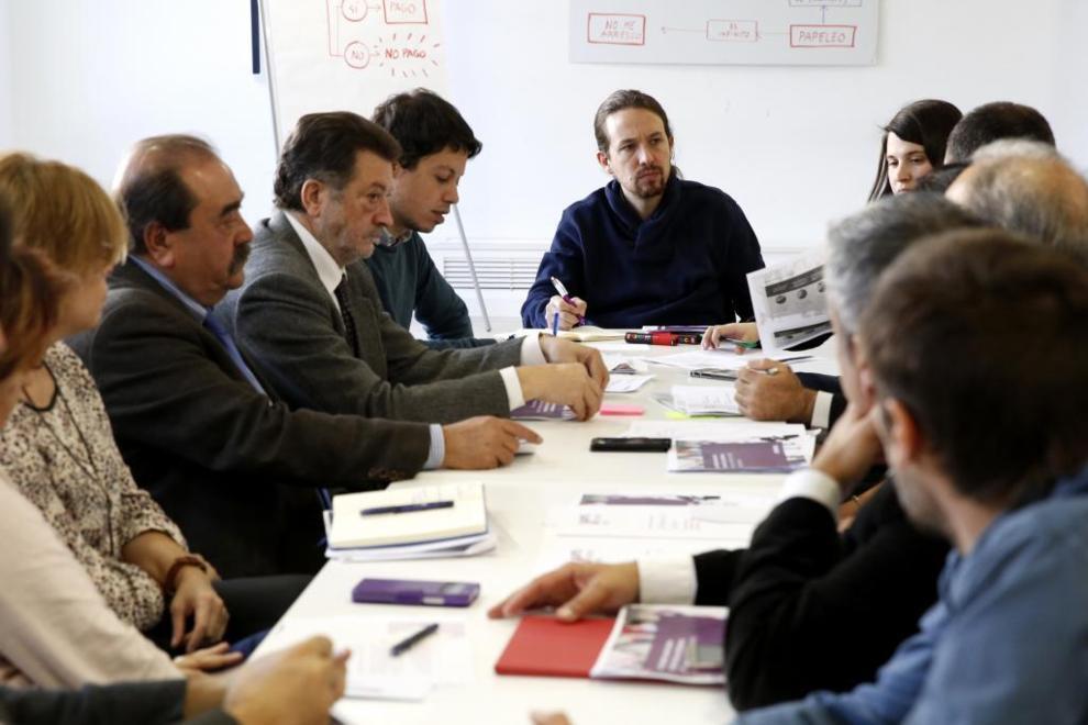 El secretario general de Podemos, Pablo Iglesias, durante la reunión...