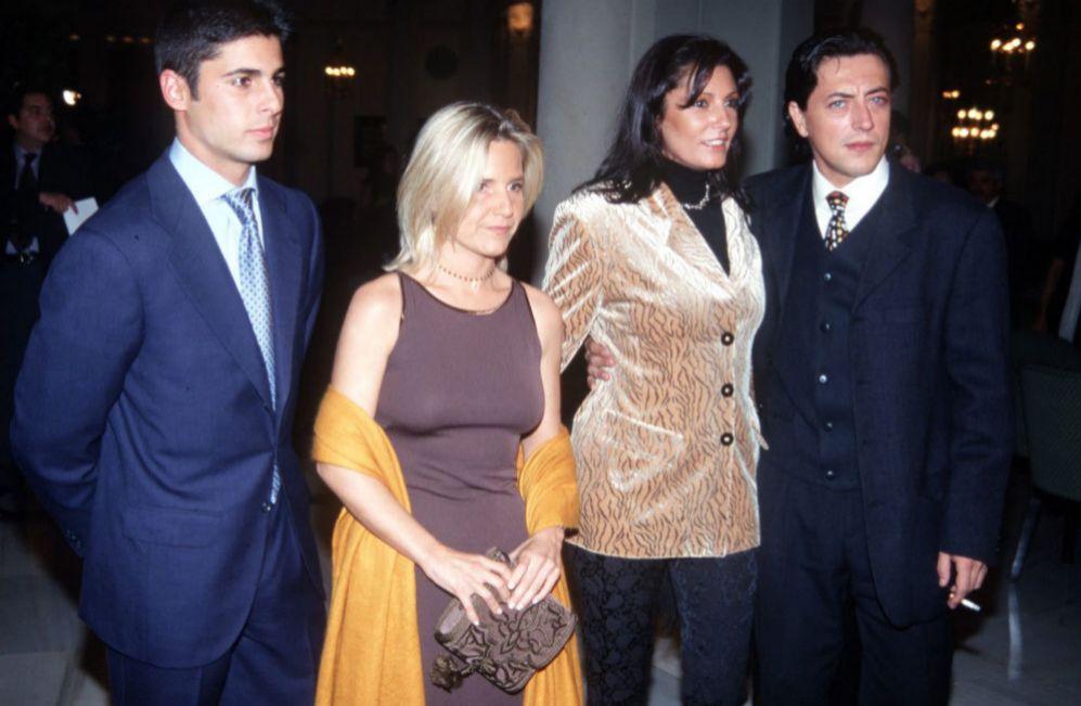 La ya fallecida Carmen Ordóñez, que estaba ya saliendo con Ernesto...