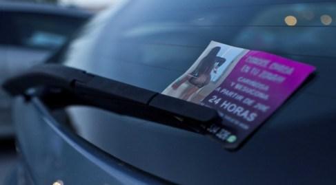 prostitutas en bizkaia los anuncios de prostitutas en los parabrisas serán ilegales