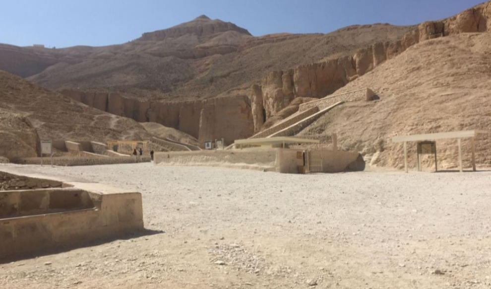 Entrada de la tumba de Tutankamón, en Luxor.